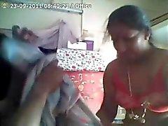 Indier faster blir hårt knullad från sin chef för på jobbet