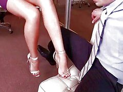 классными блондинки имеет гидромассажной footsex в кабинете