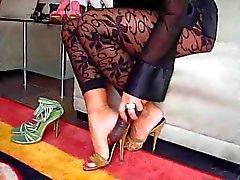 De MILF que muestra sus los pies