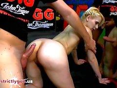 Skinny Super prostituta Ashlee Cox compartilhada e de vidros - alemão Goo Girls