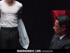 Mormonboyz - Çıplak genç soyguncu, cezası nedeniyle cezalandırıldı