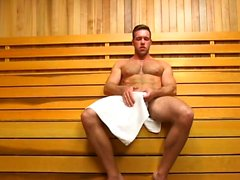 Muscoloso dildo gay con sborrata