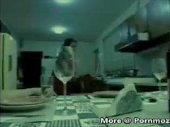 pornmoza - Boy joukkoihin hänen äitinsä Sex kun hänen isänsä on loppu