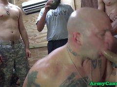 Mustan armeijassa alikersantti assfucks bloke
