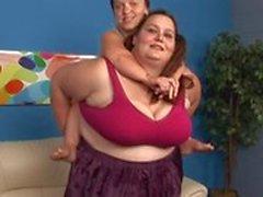 Yağsız esmer kadın 69s onun cücesi arkadaşıyla