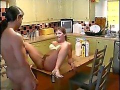 casal espanhol porra e pissing em ação desportos aquáticos quente
