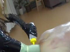 Asian Domme Elbow Tief Fisting