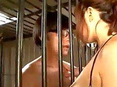 Грудастая девочка сосущих члена кончина в рот Spitting До Грудь Подающий ФутФетиш Для получения 2Nd Гая Rubbing кранов с сиськи на 3-й Cum To сиськи в тюрьме