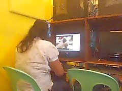 филиппинки леди в нетто кафе пойманный наблюдая один парень дрочил