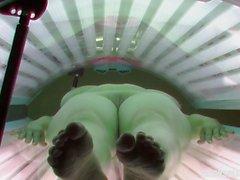 Natural Tits enormes em Solário
