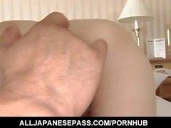 Yume Imano caliente JP milf disfrutando de jugar coño antes de hacer con su chico