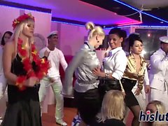 Sailors knulla kycklingar på klubben
