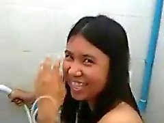 Couple de thai thaï baisée au a salle de bain de l'hôpital de