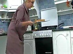 Granny na cozinha que R 20
