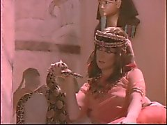Oude Egyptische 3some met Cindy Carver en Joy Cummings