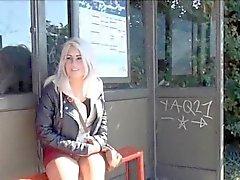 Blonde amatörbrud Lissas offentlig