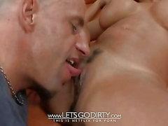 Schoko MILF mit dicken Titten