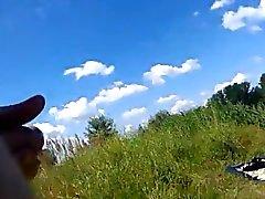 Dickflash - Jerking pour un sunbather Topless .360p