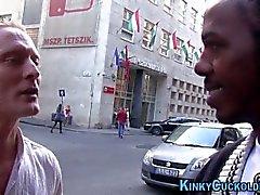 Kinky loira cavalga bbc