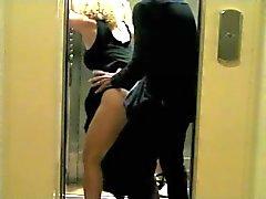 de Baise inatendue DANS Je ascenseur