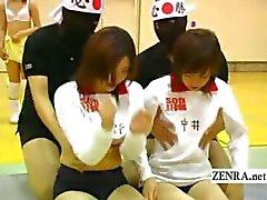 I undertiteln den japanska volleybollag bisexuella bröst massage