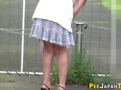 Japanilainen hottie urinating
