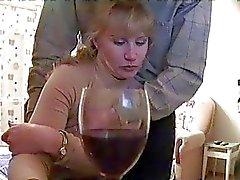 Drunk Blondine wird zu spycam geben Blasen fing