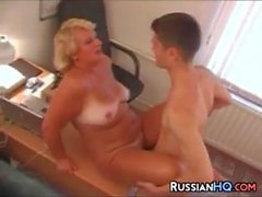 Chefe russo maduro foda em seu escritório