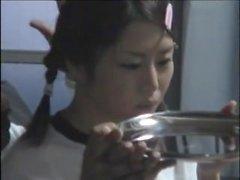 Japanische Cutie bekommt Bande knallte Tiefen dann eine Last von heißen Nussmus