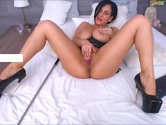 VOLUPTUOUS perfect girl with HUGE NATURAL TITS orgasms on Chaturbate