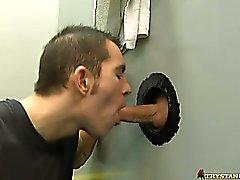 Тристан решает вставьте своего трудного сала хуй рту Дилана !
