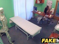 Fake Sairaalan lääkärit paksu dick venyttää kuumaa portugalilainen pussy huulet