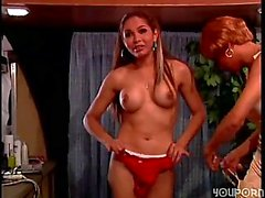 Shameless tranny is a great stripper
