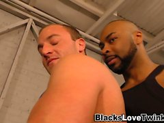 Black hunk gets a blowjob