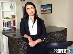 PropertySex Seksi Ajan Jennifer Jacobs Müşteri Teklifini Kabul Ediyor