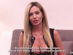 LA NOVICE - Busty russische Blondie hart durch französischen Schwanz gefickt