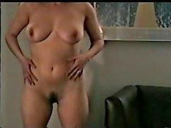 m2c1 Mateur swinger vrouw Josie stript 1