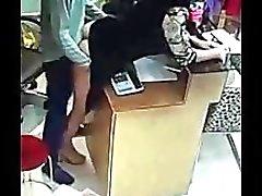Pinay ебем ее босс поймал в системах видеонаблюдения