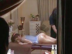 Voyeur massage asiatique