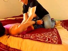 Zen Cócegas - Foxy Roxy Hogtied e Tickled