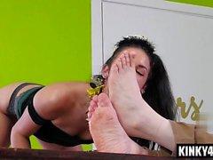 Hot pornstar spanking with facial