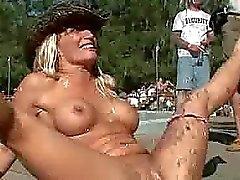 Escandalosas fiesta sexual descubierta públicas