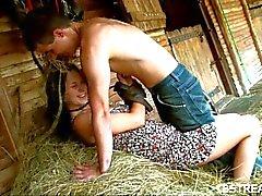 Couple bangs duro em mow