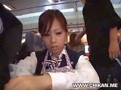 Stewardess forçado handjob no avião