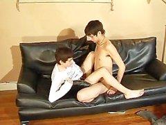 Adrian und Julian - Szene 1