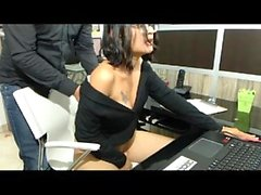 Brunette amatör hemlagad webbkamera ass