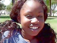 Caldo Black Girl promesse viene scopata da ragazzo bianco