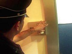 Секс голодные женщины получают ударилась ломоть в лифте