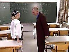 öğrencisınıfta öğretmenine lanet