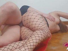 Culo perfetto Teenager in a rete, Yoga At Home, sesso sul pavimento ...